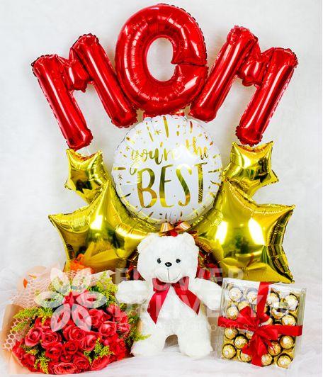 Elegant Pomelo Rose Bouquet and Gifts Bundle