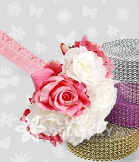 8 pcs. Pink and White Roses