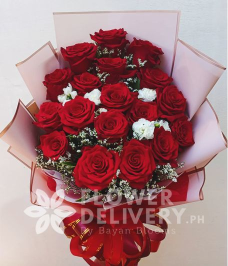18 pcs. Ecuadorian Red Roses