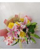 8 pcs. Yellow Ecuadorian Roses with Stargazers