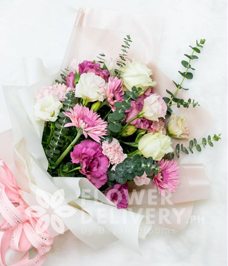Beautiful Bouquet of Imported Roses and Mixed Flowers